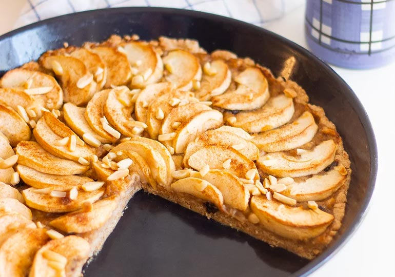 Einfacher, französischer Apfelkuchen