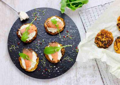 Süßkartoffel-puffer-mit-Lachs-1