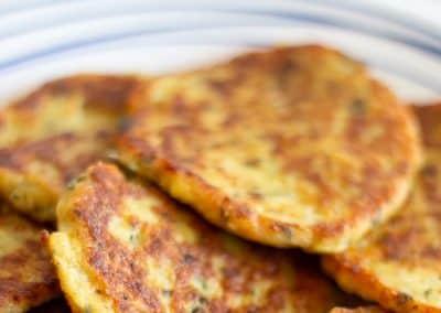 Würzige-Blumenkohl-Fritters-2