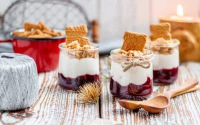 Beeren-Kokos-Dessert mit Spekulatius
