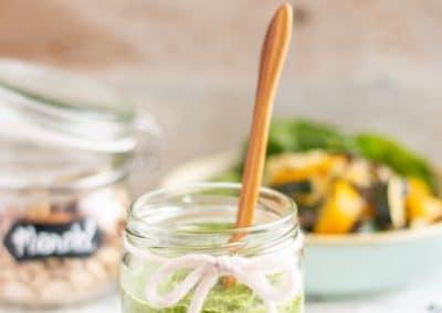 Zucchini-Linsen-Pfanne mit Spinat-Pesto